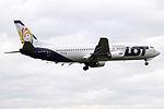 SP-LLE Boeing 737-400 LOT (14706130404).jpg