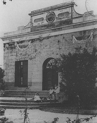 Huguenot Memorial Museum - Saasveld House in Kloof Street photographed by Arthur Elliott