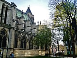 Saint-Denis Basilique Saint-Denis Südliches Langhaus 2.jpg