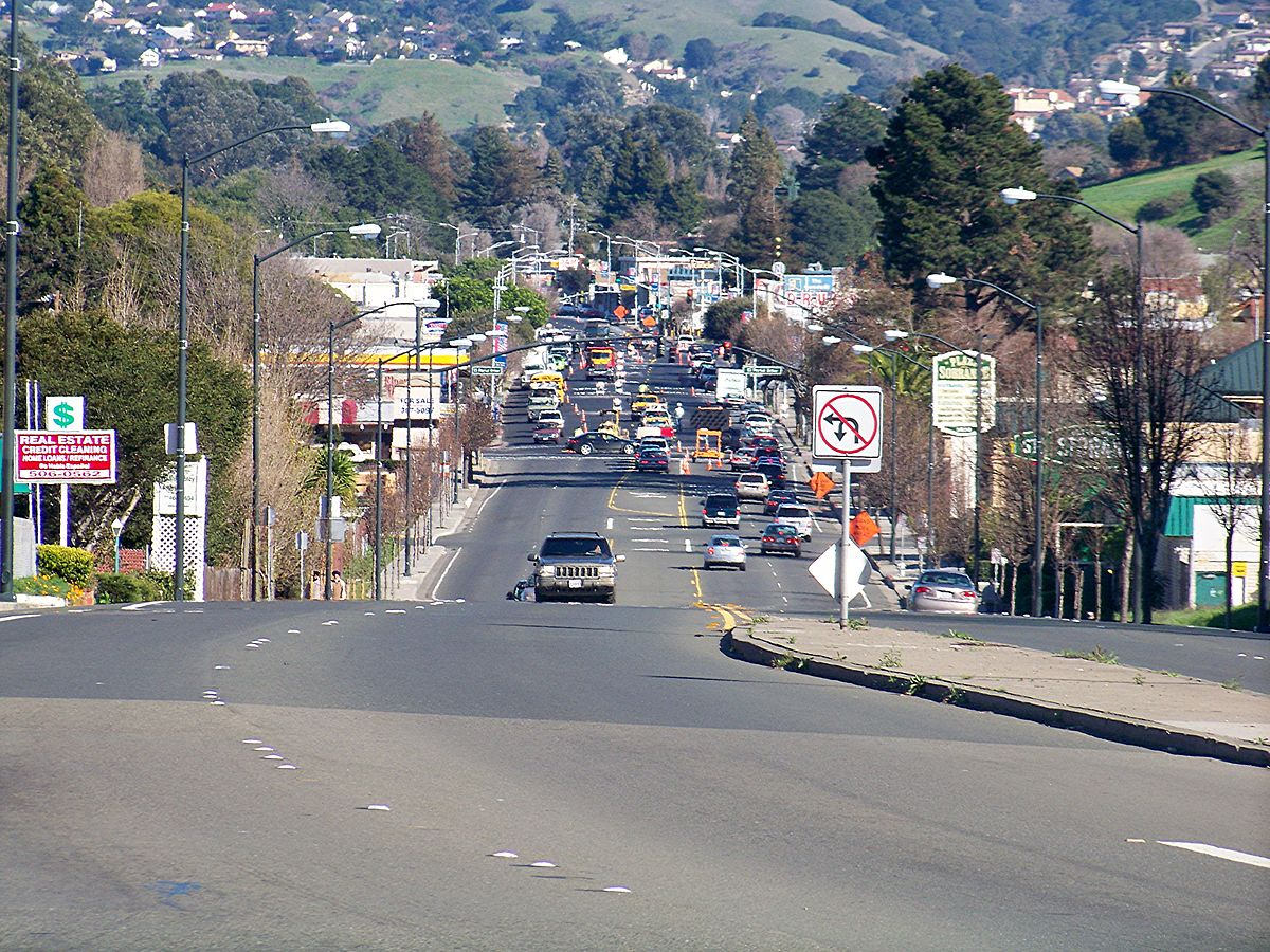 San Pablo Dam Road looking eastward through El Sobrante.