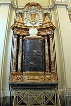 San giovanni in laterano, interno, navata interna dx, sepolcro di alessandro III con scultura di domenico guidi, 1658-59