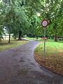 Schlosspark Wolkersdorf - Parkweg.jpg