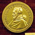 Scuola romana, medaglia di gregorio XIII, 1572, bronzo dorato.JPG