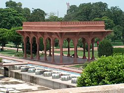 Shalamar Garden July 14 2005-East side red pavilion on second level.jpg