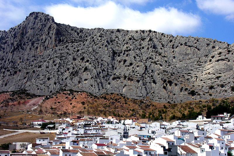 Archivo:Sierra de Valle de Abdalajís.jpg
