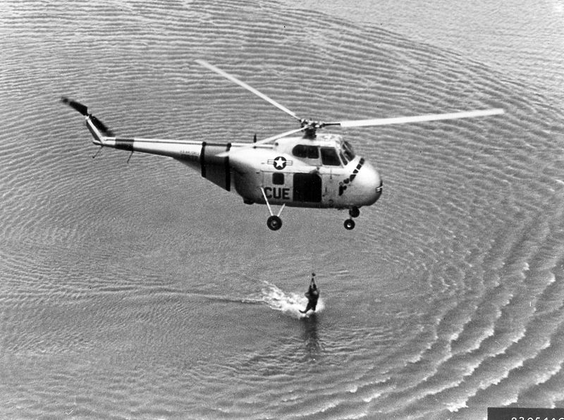 File:Sikorsky S-55 rescue hover bw.jpg