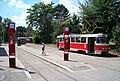 Smyčka Špejchar, nástupní zastávky, nástup na vnitřní koleji.jpg