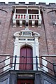 Stadhuis Haarlem bordes met roepstoel ontworpen door Salomon de Bray 1630.jpg