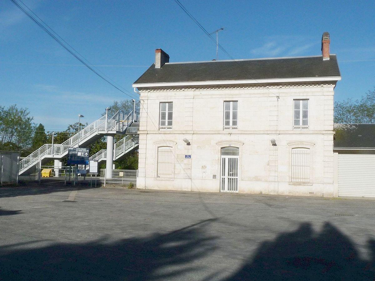 Gare de saint aigulin la roche chalais wikip dia for Garage de la gare bretigny