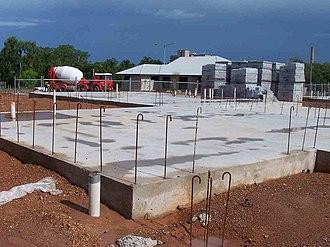 Hurricane-proof building - Image: Start bars
