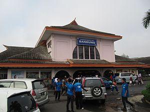 Station Bandung - panoramio.jpg