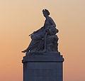 Statue symbolisant la Seine, Pont du Carrousel, Paris 2014.jpg