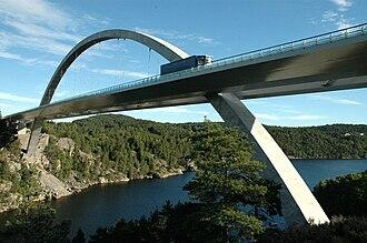 Norwegian Public Roads Administration - Image: Svinesundbrua