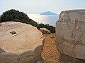 Tambores de columnas del Templo de Poseidón - Cabo Sunión.jpg