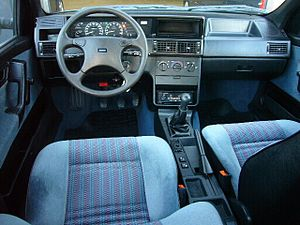 Fiat Tempra - Tempra Interior and standard dashboard on S models