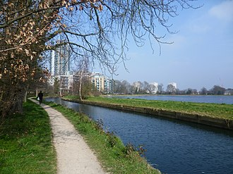 Woodberry Wetlands - The New River by the Woodberry Down Estate