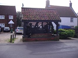 The old Diesel Mill engine at Gimingham, Norfolk.jpg