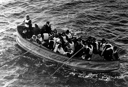 Collapsible lifeboat D photographed from the deck of Carpathia on the morning of 15 April 1912. Titanic lifeboat.jpg