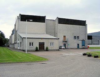 Tomintoul distillery The Tomintoul-Glenlivet Distillery is a distillery in Ballindalloch, in the Speyside region of Scotland, producing malt whisky for blends and bottled as single malts.
