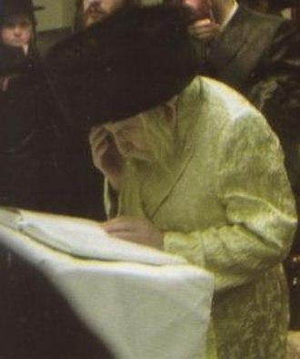 Kiryas Tosh - The Tosher Rebbe in prayer