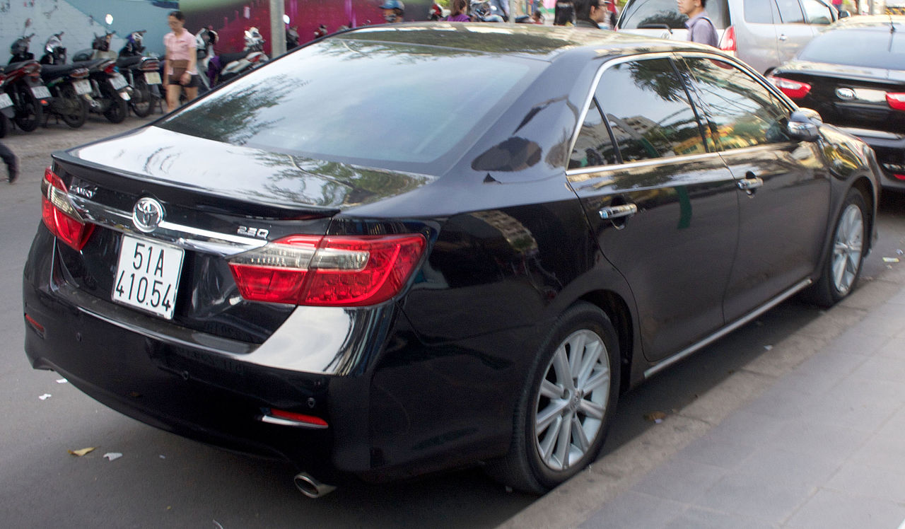 File Toyota Camry 2 5q Xv50 Rear View Jpg Wikimedia Commons