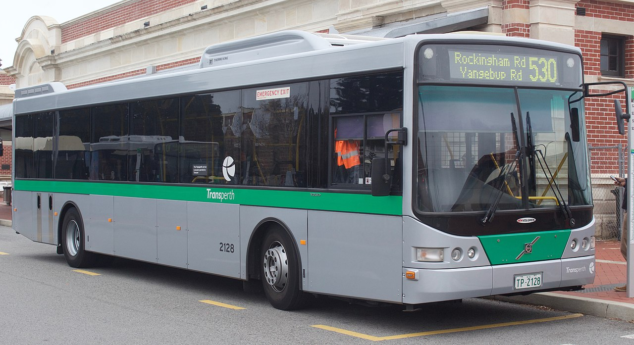 File:Transperth Volgren CR228L bodied Volvo B7RLE.jpg ...