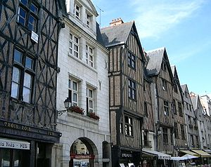 Tours - Place Plumereau, Medieval buildings