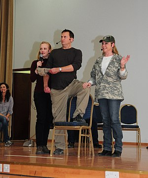 Wendi McLendon-Covey - McLendon-Covey performed at improv comedy show in 2010