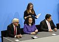 Unterzeichnung des Koalitionsvertrages der 18. Wahlperiode des Bundestages (Martin Rulsch) 099.jpg