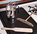 Utensils for making crepes-01.jpg