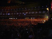 Lo Stadio delle Alpi di Torino gremito per il concerto di Vasco Rossi nel luglio 2005