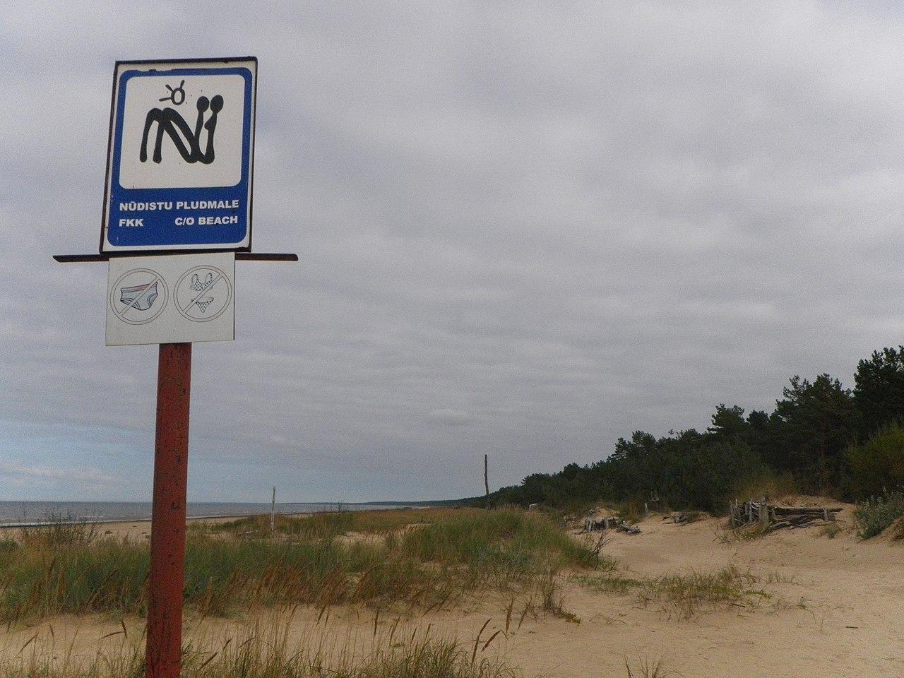 Vecāķi nude beach.jpg