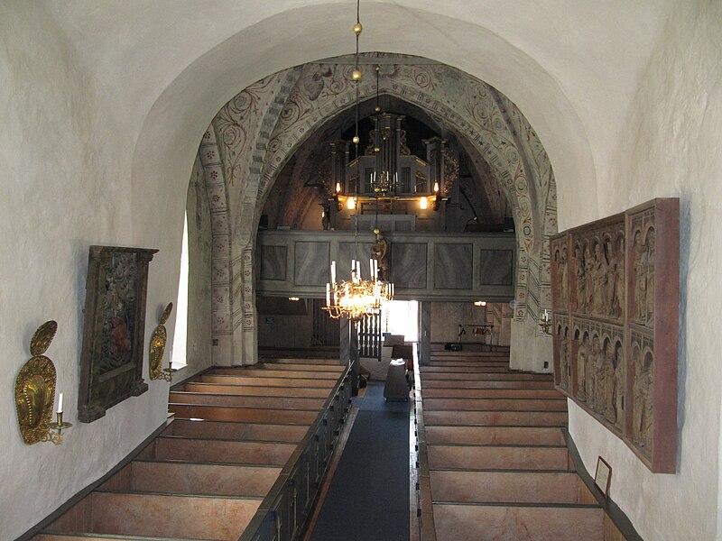 Vidbo kyrka int03.jpg