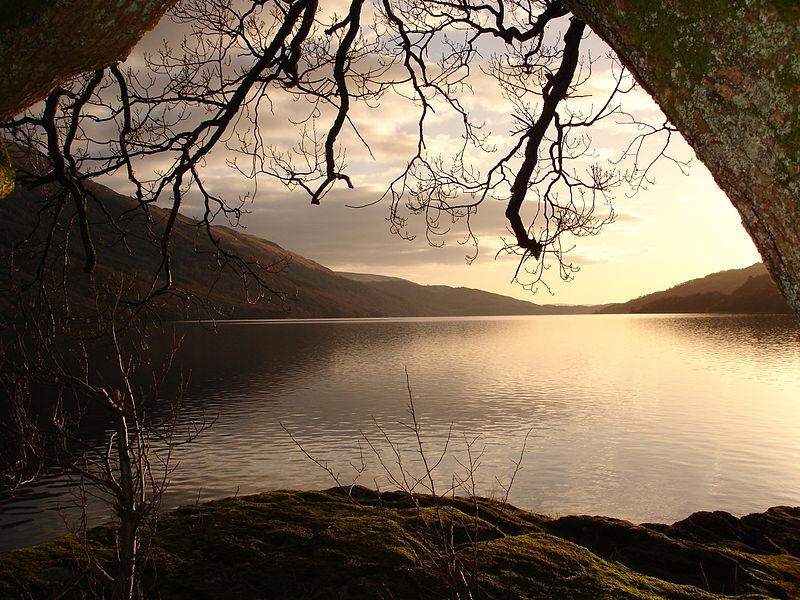 Scottish Loch. Image credit Abubakr Hussain, Mohammed-Hayat Ashrafi, Maaz Farooq, Farmaan Akhtar, Mohammed Shah, via Wikimedia.