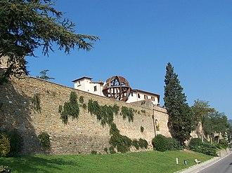 Vinci, Tuscany - Town wall