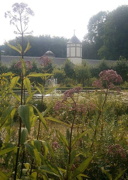 Château de Seneffe et certaines dépendances (M) et ensemble formé par ledit château et ses dépendances, le parc, avec étangs, qui les entoure, ainsi que l'allée menant au château (S)