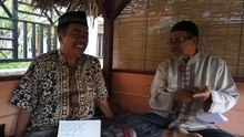 Datei:WIKITONGUES- T.A., Iqbal, and Kalam speaking Acehnese.webm