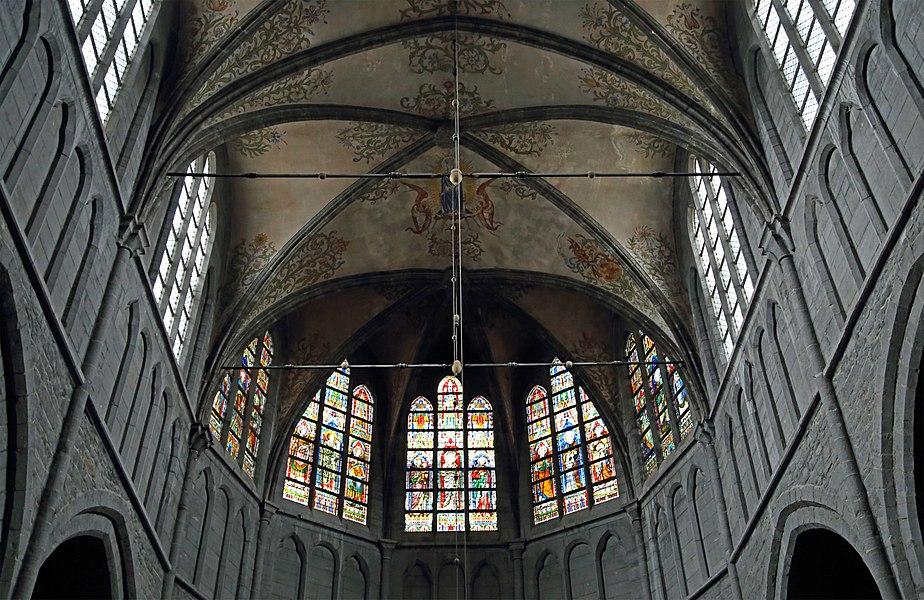 Walcourt (Belgium): St Materne church, interior