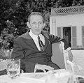 Walter Mehring zittend op een terras, Bestanddeelnr 254-5056.jpg