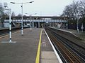 Wandsworth Common stn northbound slow platform look north.JPG