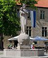 Warburg-Marktplatz-Marienbrunnen.jpg