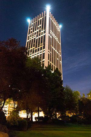 Wells Fargo Center (Portland, Oregon) - Portland's Wells Fargo Center at night