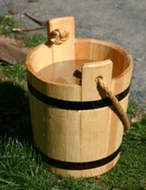 Bucket - Image: Wooden bucket