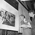 World Press Photo 1964 , de Prins reikt de prijs uit, Bestanddeelnr 917-2524.jpg