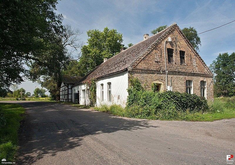 File:Zaszczytowo, Świetlica wiejska - fotopolska.eu (338164).jpg