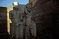 Ägypten 1999 (252) Tempel von Luxor- Doppelstatue von Amun und Mut (28209009341).jpg