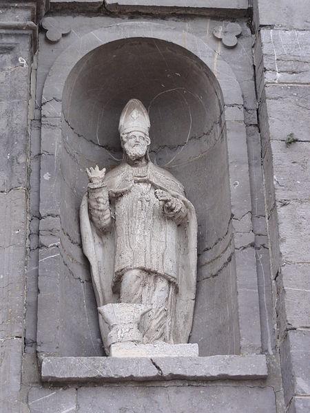 Étréaupont (Aisne) Église Saint-Martin, statue sur la façade d