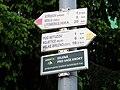 Ústí nad Labem-Střekov, rozcestník u nádraží.jpg