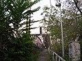 Železniční most, vstup od Hořejšího nábřeží.jpg