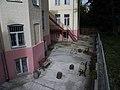 Будинок лікарні, де працював В. П. Протопопов. Дворик.JPG
